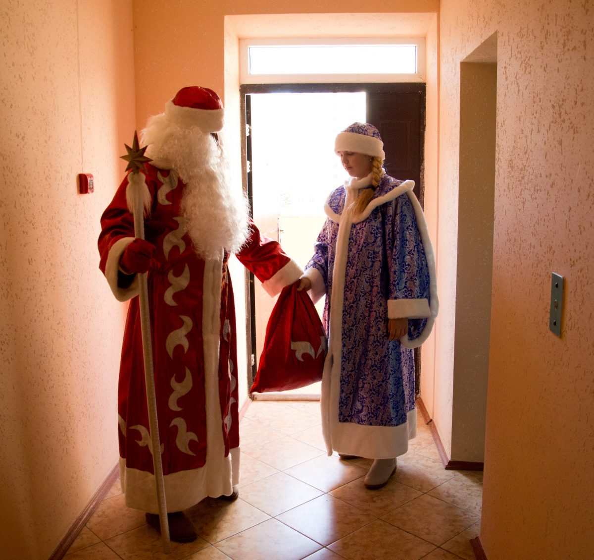 Дед Мороз и Снегурочка 2019